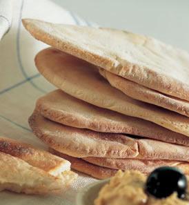 i formaggi e i latticini sono preparati soprattutto con latte di capra e pecora e vengono utilizzati in modo massiccio nella cucina greca famosissimi lo